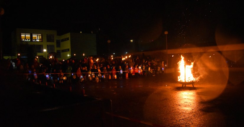 Sankt Martin - Kinder vorm Feuer