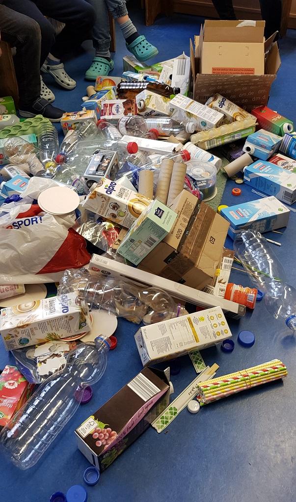 viele Materialien wurden gesammelt
